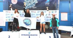 Rüzgar Sörfü 3. Ayak Yarışları Büyükçekmece'de