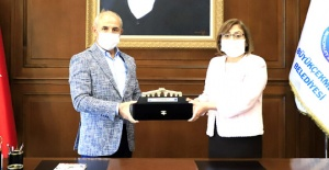 Akgün, TBB Başkanı Fatma Şahin'i ağırladı