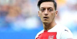 Mesut Özil'den Azerbaycan'a destek