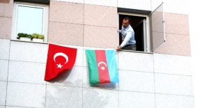 Silivri'de Azerbaycan bayrakları