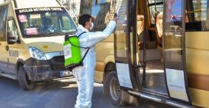 Esenyurt'ta pandemiye karşı ilaçlama