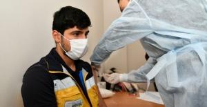 Esenyurtlu sağlıkçılar aşılandı