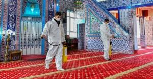 Esenyurt camilerinde Kandil temizliği