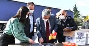 Esenyurt'ta 60 bin koli gıda dağıtımı