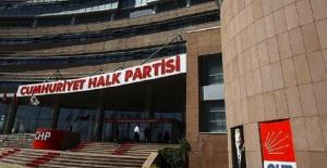 İki eski vekil CHP'den istifa etti