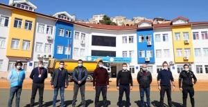 Alanya'da 107'nci okula çevre düzenlemesi