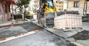 Esenyurt'ta yolların yenilenmesine devam