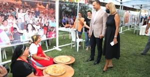 Ortaköy'de börekler yarıştı