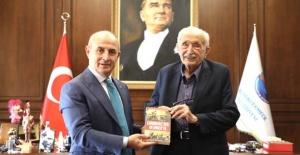 Atatürk kolleksiyoncusu Benazus Büyükçekmece'de