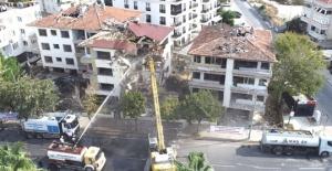 Büyükçekmece#039;de hasarlı bina...