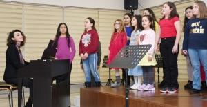 Müzik akademisi genç yetenekleri...