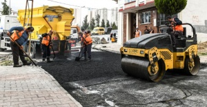 Esenyurt'ta asfalt robotu işbaşı...