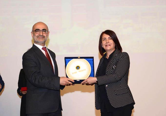 Toprak Beykent Üniversitesi'nde yerel yönetimleri anlattı
