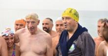 Manş'ı 33 kez yüzen yüzücüyle yüzdü